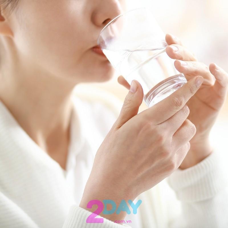 Uống nước muối có giảm cân không